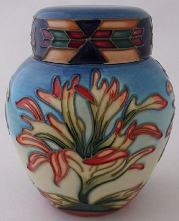 Moorcroft Pottery Lidded Jar Pot With Floral Design